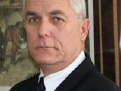 David F Bennett